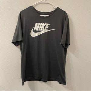 Nike Dri fit graphic t shirt gray xl